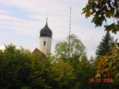 kleinekirchemitmaibaum.jpg